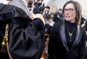 """Ilaria Cucchi: """"Salvini sciacallo"""". Anche il capo della Polizia Gabrielli lo bacchetta"""