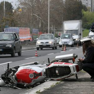 Incidenti: la classifica delle strade meno sicure per auto e moto