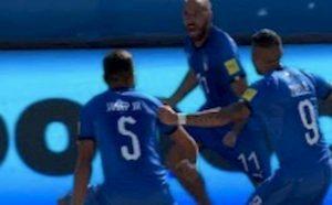 Mondiali Beach Soccer, Italia in finale: 8-7 alla Russia, gol decisivo di Zurlo