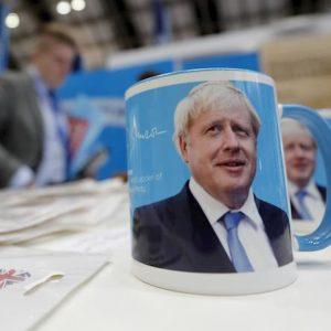 Brexit. Se Johnson vince, i residenti Ue pagheranno 700 euro per accedere alle cure mediche