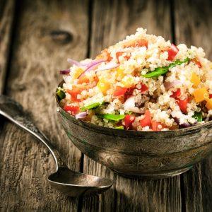 Quinoa, un super-cibo con numerosi benefici per l'organismo