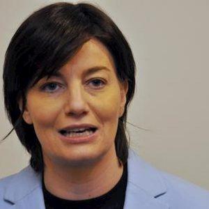 """Lara Comi, l'accusa: """"Giovane ma già esperta di tangenti"""". Era la pupilla di Berlusconi"""
