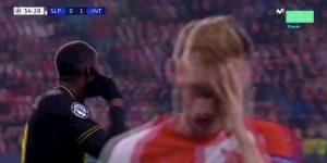 Slavia-Inter, Lukaku reagisce a insulti razzisti. Arbitro gli annulla gol