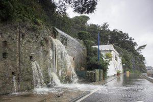 Maltempo Liguria, allerta per mareggiate, temporali e burrasca