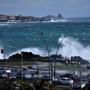 Cambiamenti climatici: da mareggiate a ondate calore, i nemici delle città