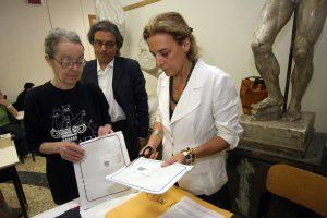 Maturità, ministro Fioramonti annuncia abolizione buste