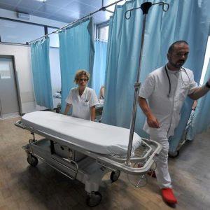 Medici, 190 euro lordi al mese di aumento. Via libera al nuovo contratto nazionale