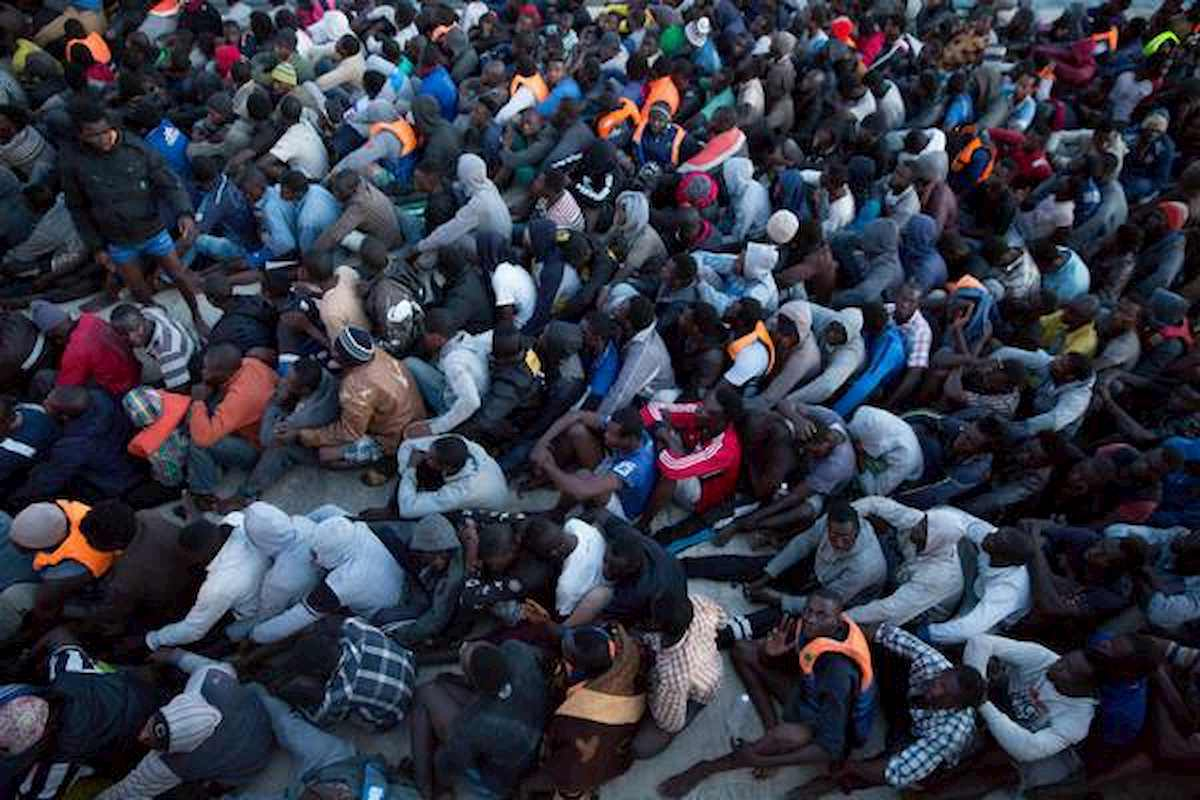 Trovati 25 migranti in container frigo su un traghetto: tutti vivi