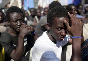 Francia: quote per favorire l'immigrazione economica