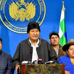 Bolivia: ordine di cattura per Morales che scappa
