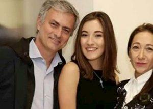 Mourinho senza fede, crisi con moglie Matilde Faria smentita portavoce