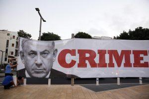 Netanyahu, premier Israele incriminato corruzione e frode