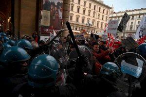 Numero identificativo per forze dell'ordine impegnati alla manifestazione, proposta di legge in Commissione