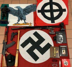 Partito neonazista, arrestato un uomo a Monza: aveva fucile, carabina e revolver
