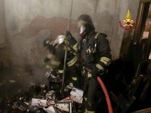 Reggio Calabria, esplode macelleria nella notte: feriti 4 pompieri e 6 poliziotti