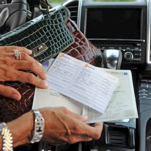 Tasse auto, la stangata: dopo le aziendali, aumentano i costi delle pratiche