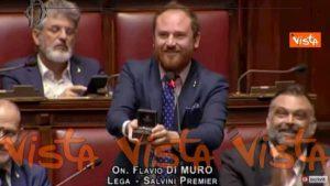 Flavio Di Muro (Lega) e la proposta di matrimonio alla Camera VIDEO