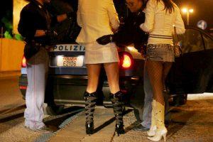 Roma, spedite in Italia sui barconi e fatte prostituire: sgominata banda di nigeriani