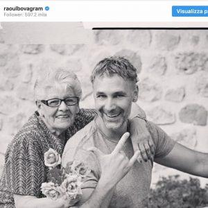 """Raul Bova in lutto: è morta mamma Rosa. Il post su Instagram: """"Mi piace ricordarti così"""""""