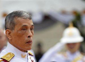 Thailandia, re Vajiralongkorn dopo allontanamento consorte epura 4 guardie reali per adulterio