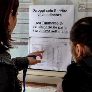 """Reddito di """"assistenza"""": il 60% degli assegni al Sud (un quinto della popolazione)"""