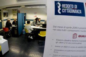 Reddito di cittadinanza a tre morti a Treviglio