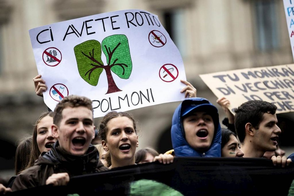 studenti corteo clima a roma Ansa