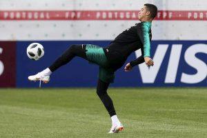 Cristiano Ronaldo si allena in Nazionale non aveva un problema al ginocchio?