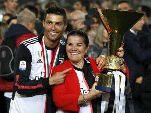 Cristiano Ronaldo eredità giallo matrimonio segreto per non far arrabbiare mamma