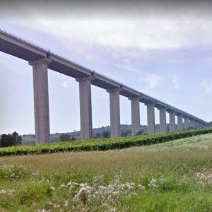 Tortoreto, si lancia dal viadotto del Salinello: morto 19enne. Aveva annunciato gesto su Facebook