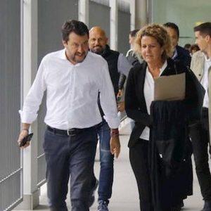 """Don Giorgio de Capitani deve pagare oltre 14mila euro: """"Diffamò Matteo Salvini"""""""
