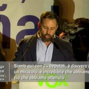Santiago Abascal, leader di Vox che ha fatto diventare l'ultradestra terza forza parlamentare in Spagna