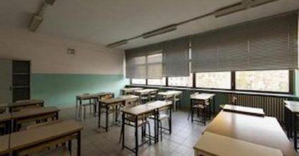 Maltempo, scuole chiuse lunedì 18 novembre: l'elenco completo