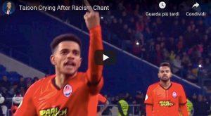 Taison alla Balotelli contro cori razzisti dito medio lacrime video YouTube