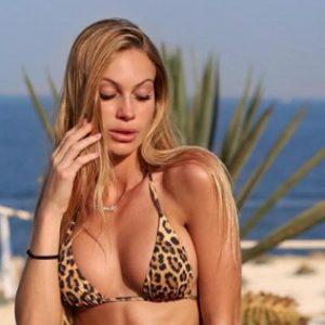 """Taylor Mega bannata da Tik Tok: """"Un mio video in bikini è stato considerato osceno"""""""