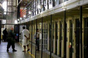 Tre innocenti in carcere per 36 anni dopo essere stati condannati all'ergastolo