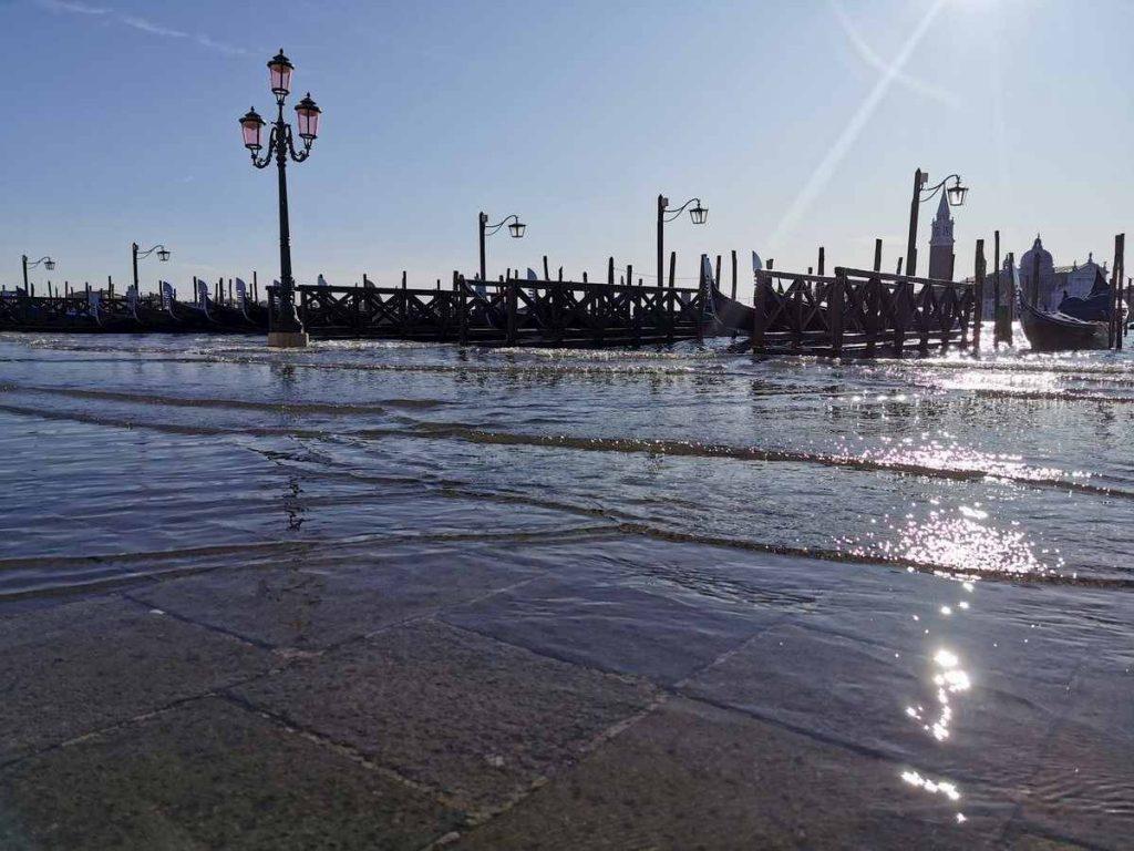 acqua alta venezia , foto twitter