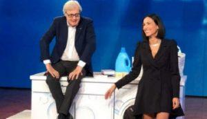 Vieni da Me: il siparietto tra Vittorio Sgarbi e Caterina Balivo sulle donne che devono stare a casa