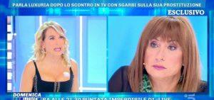 Domenica Live, Vladimir Luxuria replica in lacrime a Vittorio Sgarbi. E rimprovera Barbara D'Urso