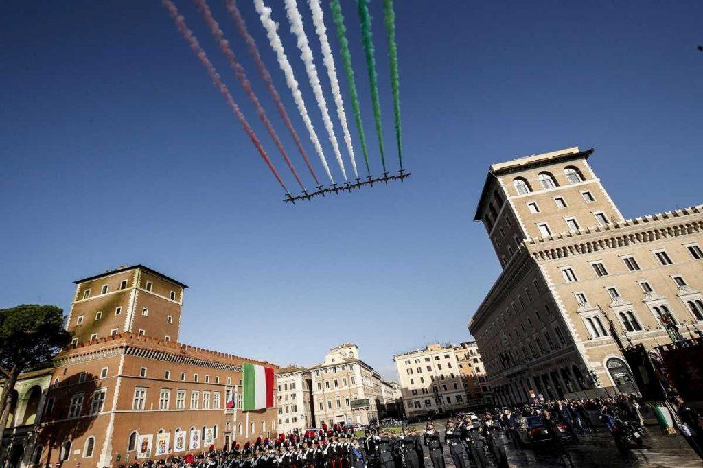 volo frecce tricolori cielo roma