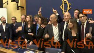 """""""Onorevoli auguri"""", presentata la canzone di Natale scritta dai Parlamentari VIDEO"""