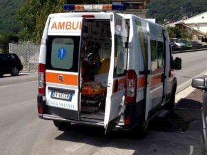 Claviere (Torino), cane attacca bimba di 8 anni: ferita a un occhio