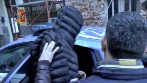 Terrorismo, espulsi un 24enne residente a Torino e imam di Padova