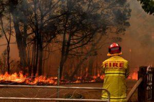 Australia in fiamme, petizione per cancellare i fuochi d'artificio di Capodanno