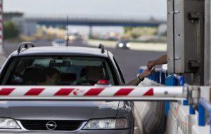 Autostrade, stop rincari al casello: aumento pedaggi congelato per almeno sei mesi