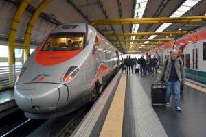 Treni alta velocità Roma-Napoli, ritardi fino a 90 minuti per un guasto agli impianti