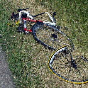 Bessica di Loria (Treviso), ciclista investito e ucciso da un'auto. E' il terzo in due giorni