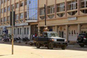 Burkina Faso, terroristi tornano a colpire: 14 persone uccise in una chiesa a Foutouri