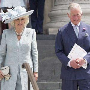"""Carlo e Camilla stanno per divorziare? """"Lei vuole 300 mln per non spifferare i segreti dei Windsor"""""""