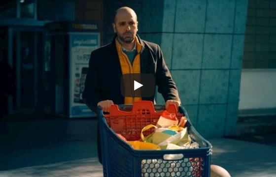"""Checco Zalone torna al cinema con Tolo Tolo e lancia il nuovo singolo """"Immigrato"""" VIDEO"""
